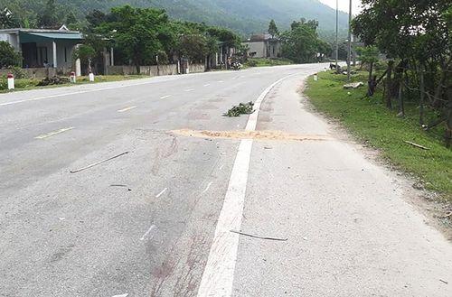Hà Tĩnh: Hai thanh niên tử vong sau va chạm với ô tô