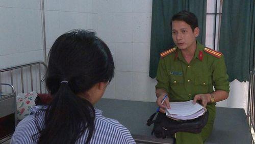 Công an xử lý thế nào vụ nữ sinh bị bạn lột quần áo, đánh hội đồng ở Hưng Yên?