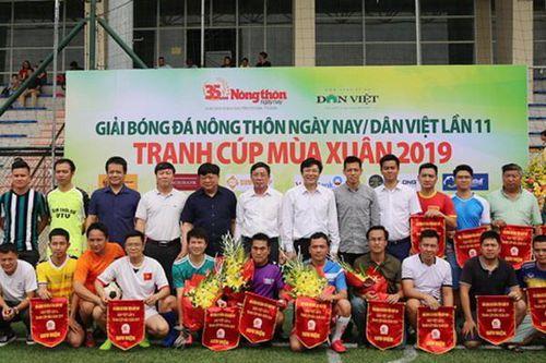 Đội Zing.vn ra quân tại giải bóng đá Nông thôn Ngày nay