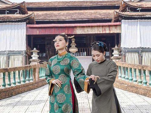 Bắt chước phim cung đấu, giải trí Việt nhận trái đắng
