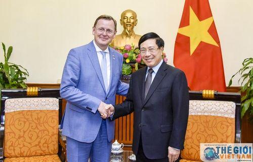 Phó Thủ tướng Phạm Bình Minh tiếp Thủ hiến bang Thuringen (Đức)