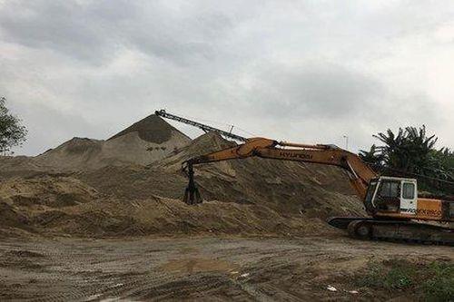 Hưng Yên: Bãi tập kết cát sỏi không phép ngang nhiên hoạt động?