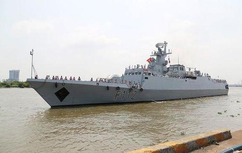 Đầy bất ngờ về tàu chiến Bangladesh đang thăm VN