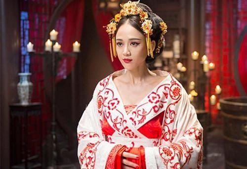 'Học đòi' mẹ chồng, hoàng hậu Trung Hoa khiến gia tộc chìm trong biển máu