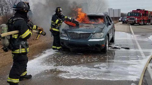 Vừa mua ôtô cũ, 22 phút sau chiếc xe bốc cháy thành tro