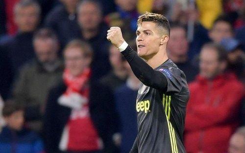 Ronaldo nối dài kỷ lục ghi bàn ở Champions League