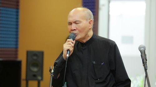 Nhạc sĩ Vũ Thành An khoe giọng hát không thua kém ca sĩ ở tuổi 76