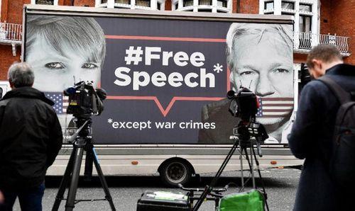 Australia gặp khó trong bài toán Julian Assange