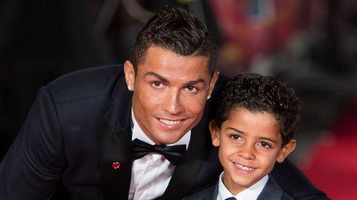 Con trai Ronaldo ghi 7 bàn trong 2 trận trên đất Bồ Đào Nha