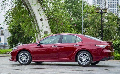 Toyota Việt Nam tiết lộ thông tin về dòng Camry 2019