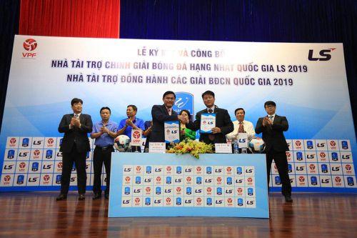 Giải hạng Nhất quốc gia 2019 có nhà tài trợ Hàn Quốc