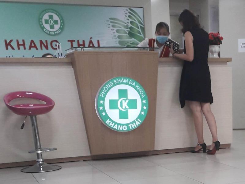 'Chăm sóc kỹ' phòng khám để phiên dịch trị bệnh và moi tiền