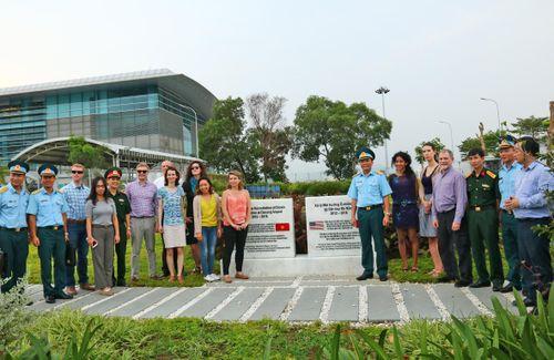 Đoàn Hoa Kỳ thăm địa điểm Dự án tẩy độc dioxin tại sân bay Đà Nẵng