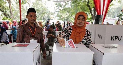 Cử tri Indonesia đi bầu cử