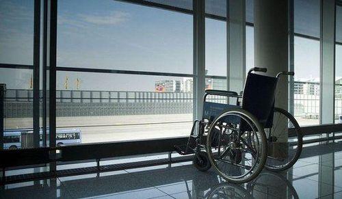 Bị tố 'phân biệt đối xử' không cung cấp dịch vụ hỗ trợ xe lăn cho khách khuyết tật, hãng hàng không Vietjet lên tiếng