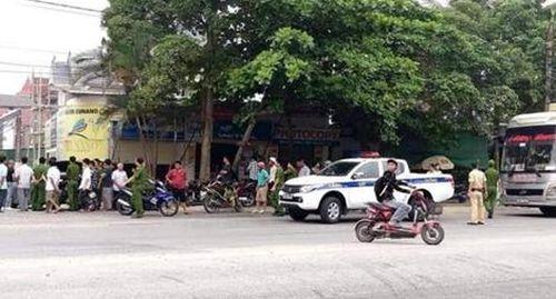 Nhóm đối tượng chặn xe khách trên Quốc lộ 1A, nổ súng gây náo loạn