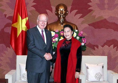 Chủ tịch Quốc hội Nguyễn Thị Kim Ngân tiếp Đoàn Thượng viện Hoa Kỳ