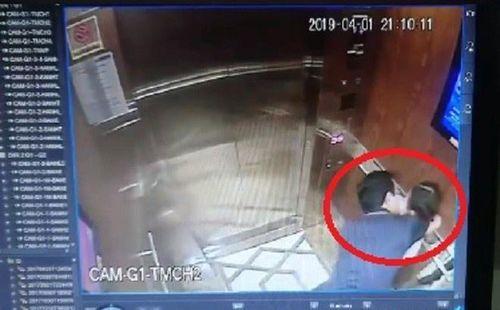 Thêm 2 clip vụ ông Nguyễn Hữu Linh sàm sỡ bé gái trong thang máy