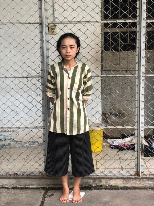 Bắt quả tang nữ sinh trường Dược Sài Gòn giao ma túy cho con nghiện