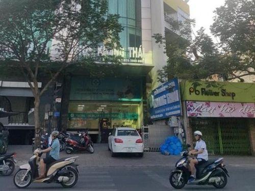 TPHCM: Tước giấy phép hoạt động 2 phòng khám có bác sĩ Trung Quốc