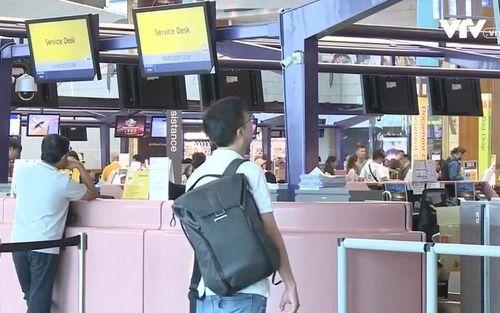 Từ 22/4, khách quốc tế rời Singapore không phải xin dấu xuất cảnh