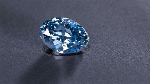 Sự thật 'sốc' viên kim cương xanh vừa gây chấn động