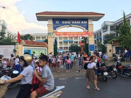 Vụ thịt gà có mùi lạ 'tuồn' vào bếp ăn Trường TH Chu Văn An (Hà Nội): Ban Giám hiệu rút kinh nghiệm