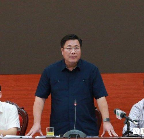 Vụ Chủ tịch quận Hoàng Mai dùng bằng thạc sỹ 'ma': Ai chịu trách nhiệm?