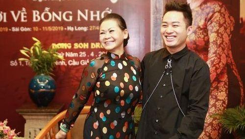 Danh ca Khánh Ly yêu giọng ca khắc khoải ma quái của Tùng Dương