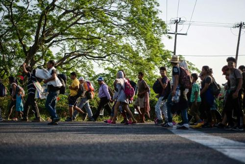 Ít nhất 1.300 người di cư trốn khỏi trại tị nạn Mexico