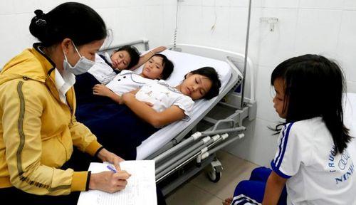 Cấp cứu 30 học sinh ngộ độc sau khi uống sữa trong Chương trình Sữa học đường