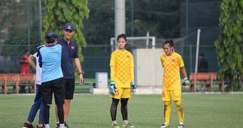 Chuyên gia Nhật cập bến, đào tạo trẻ bóng đá nữ Việt Nam đắp chắc 'phần gốc'