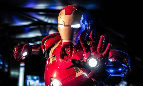Khám phá Trạm Avengers, đóng vai Iron Man bảo vệ thế giới