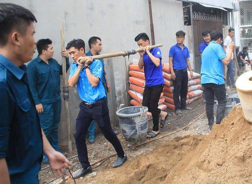 Ngay sau Đại hội Hội LHTN, thanh niên quận 9 ra quân làm đường giúp dân
