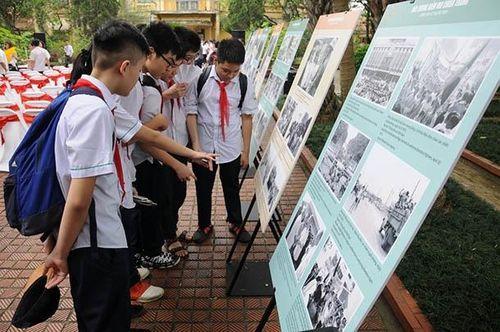 Nhiều hoạt động kỷ niệm 44 năm Ngày giải phóng hoàn toàn miền nam, thống nhất đất nước
