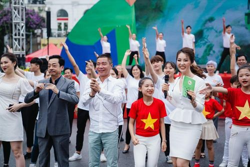 NSND Hoàng Dũng, Công Lý, Dương Thùy Linh nói về 'Tử tế với môi trường'