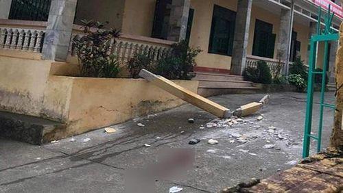 Vụ bê tông lan can trường học rơi: 1 học sinh đã tử vong