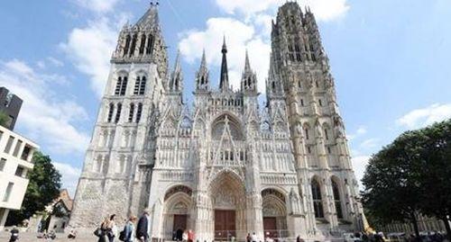 Pháp sẽ khôi phục Nhà thờ Đức Bà đẹp hơn sau 5 năm?