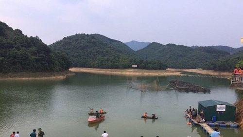 Nghệ An: Nam sinh lớp 12 đi tắm đập bị đuối nước