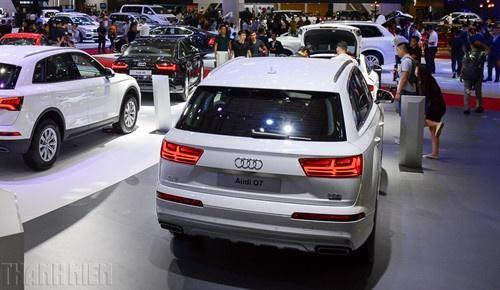 Mùi xăng trong xe sang Audi!