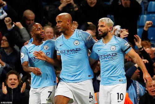 Man City hạ Leicester City chạm tay vào ngôi vương