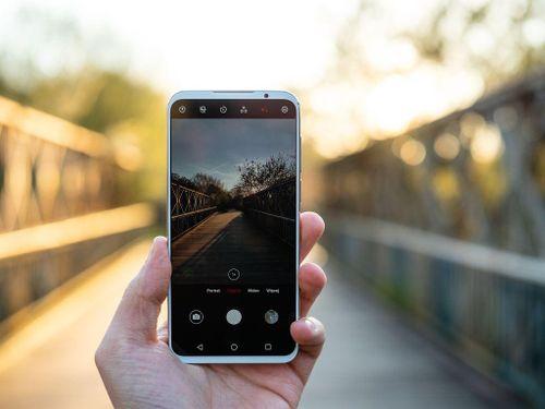 Top 10 smartphone Android mạnh mẽ nhất AnTuTu tháng 4/2019