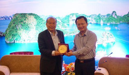 Lãnh đạo tỉnh tiếp xã giao Đoàn công tác Bộ Lễ nghi và tôn giáo Campuchia
