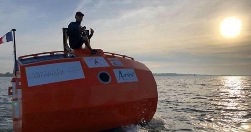 Khó tin: Người đàn ông Pháp vượt Đại Tây Dương trong 4 tháng bằng một chiếc thùng