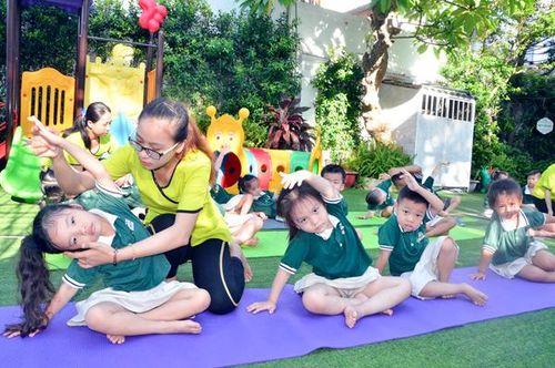 Yoga vào trường học