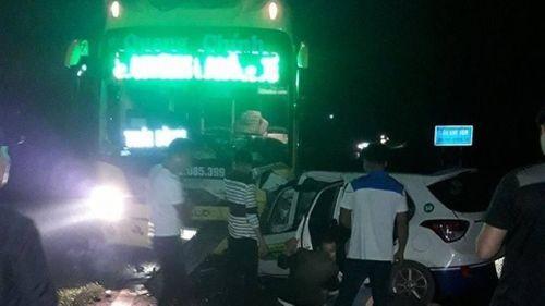 TNGT 3 người chết ở Quảng Ninh: Trong xe taxi có mùi rượu bia