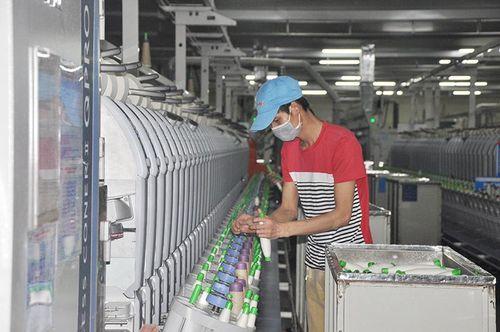 Những công nhân tiên tiến tiêu biểu ở doanh nghiệp FDI