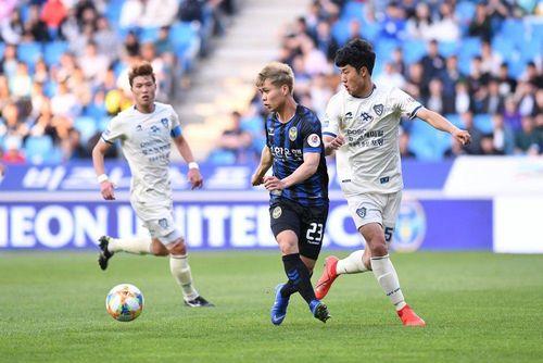 Incheon United đã biết cách dùng Công Phượng?