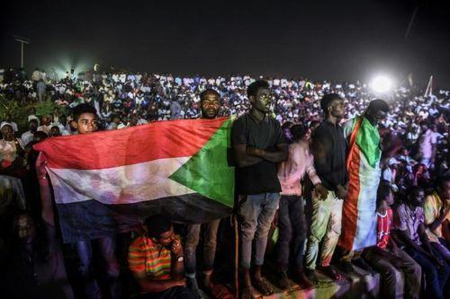 Lãnh đạo quân đội Sudan đình chỉ đàm phán dân sự