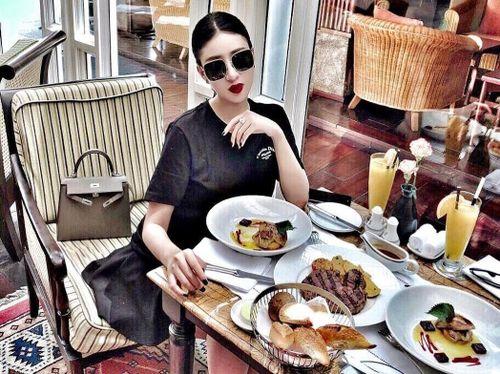 Soi đồ ăn, thức uống check-in của hội con nhà giàu Việt